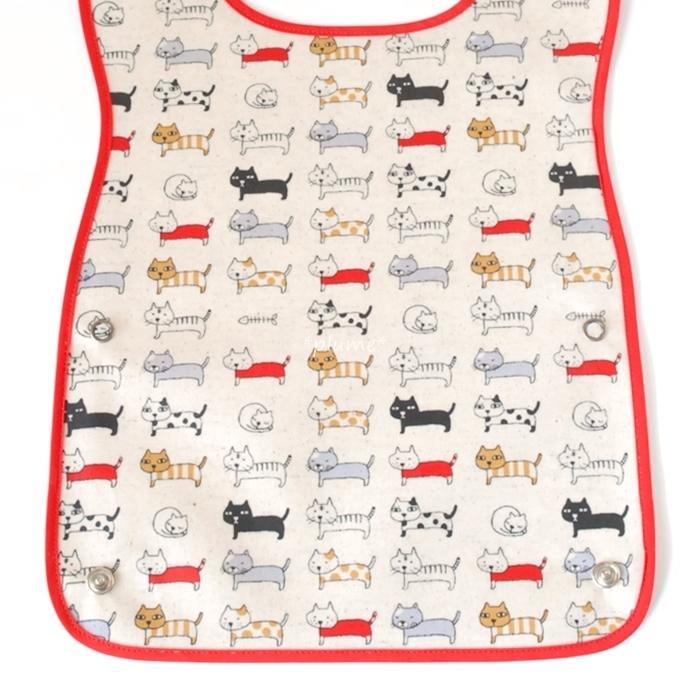 お食事エプロン・離乳食に便利な赤ちゃん用品 ネコ柄