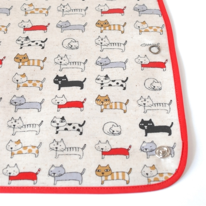 お食事エプロン・離乳食に便利な赤ちゃん用品 猫柄